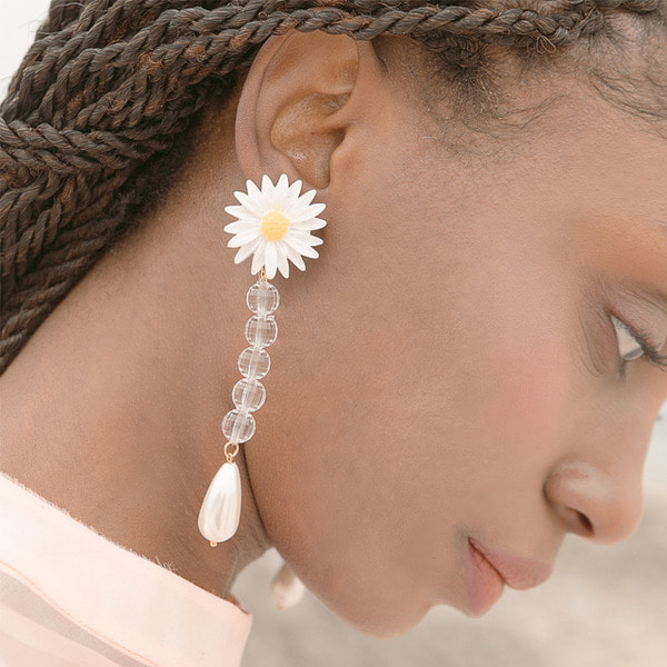 daisy flower crystal drop earrings