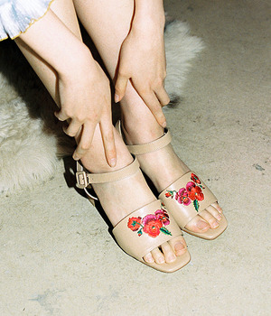 Aria Pansy Sandle- light camel