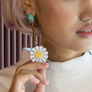 Vonditole lovely daisy flowers earrings