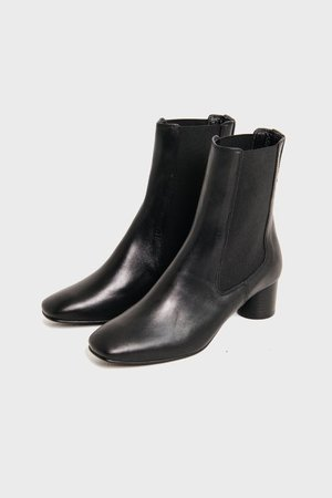 black leather-girigiri Chelsea boots 기리기리 첼시 부츠 블랙