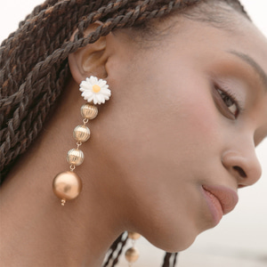 daisy flower Pearl Gold Ball Drop earrings